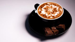 Foto 4 - Makanan(Hot Choco) di D'Comic Cafe oleh Vanny Vann