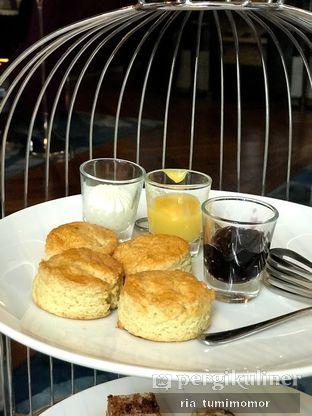 Foto 9 - Makanan di The Writers Bar - Raffles Jakarta Hotel oleh riamrt