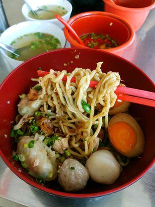 Foto 3 - Makanan di Bakmi Lamlo oleh ig: @andriselly