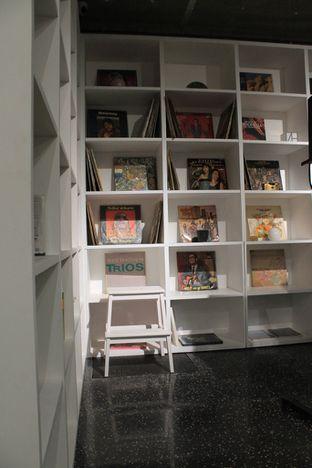 Foto 4 - Interior di Tu7uhari Coffee oleh Prido ZH