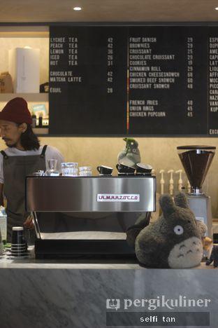 Foto 2 - Interior di Hiveworks Co-Work & Cafe oleh Selfi Tan
